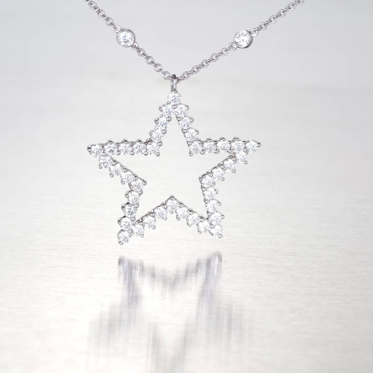 Tiffany & Co. Diamond Platinum Pendant Necklace In Good Condition For Sale In Stamford, CT