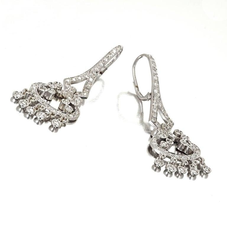 1.73 Carat Diamond Gold Flexible Dangle Chandelier Earrings In Good Condition In Stamford, CT