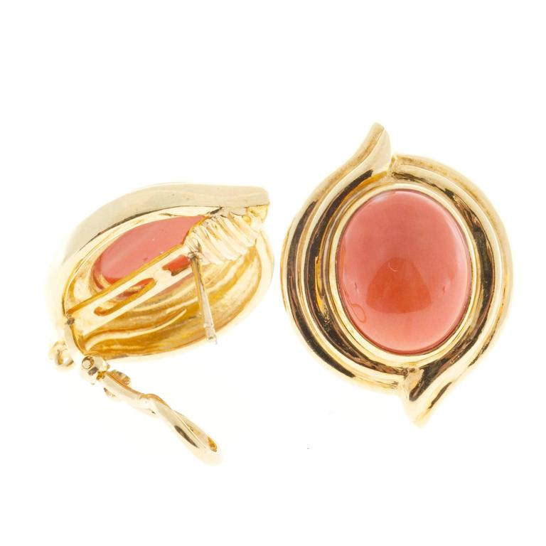 Women's Red Orange Oval Coral Gold Earrings For Sale