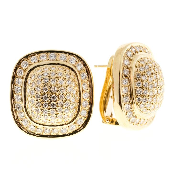 Diamond Gold Cushion Shaped Clip Post Dome Earrings In Good Condition For Sale In Stamford, CT