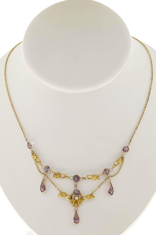 Pearl and Round Amethyst Gold Pendant Necklace In Good Condition For Sale In Stamford, CT