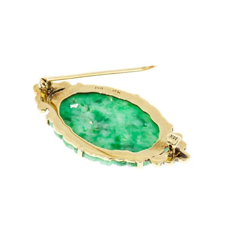Women's 1940s Natural Carved GIA Cert Jadeite Jade Enamel Gold Pin For Sale