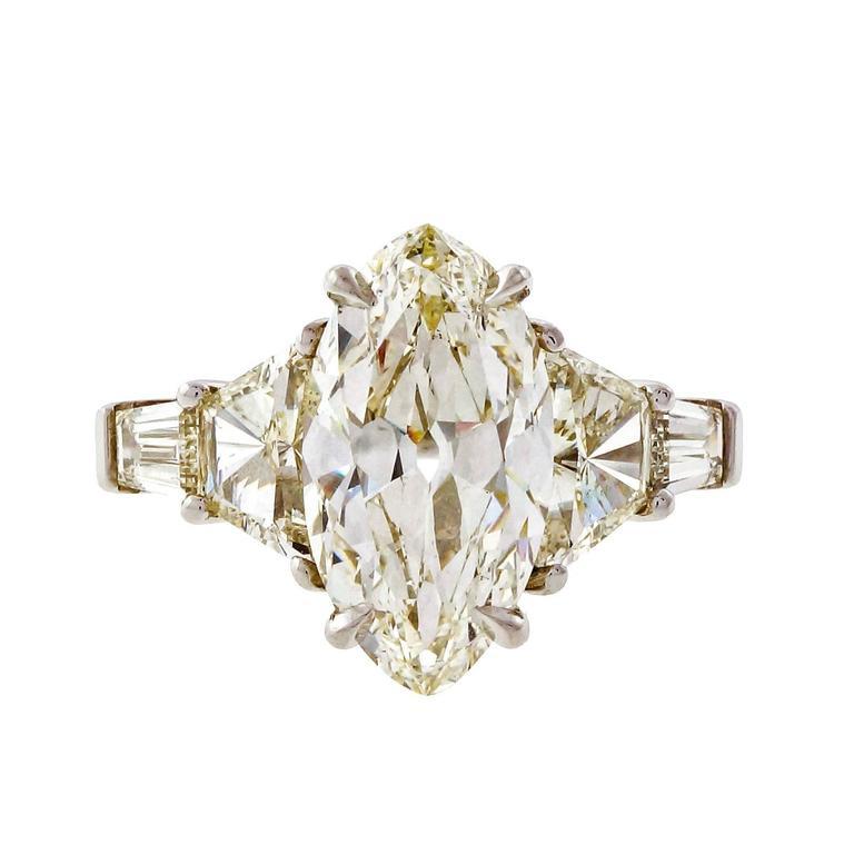 Diamond Platinum Engagement Ring For Sale 4