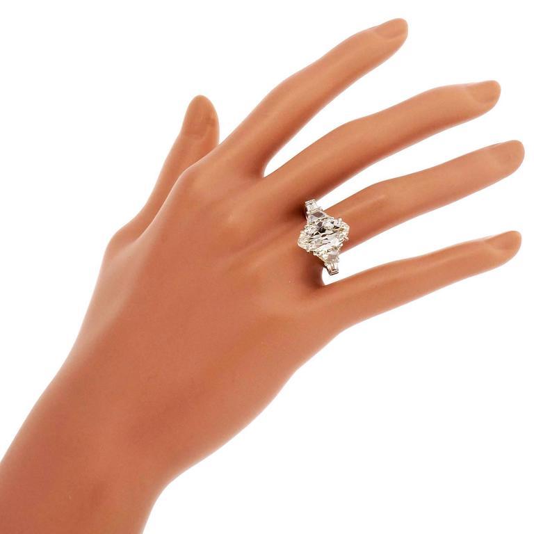 Diamond Platinum Engagement Ring For Sale 1