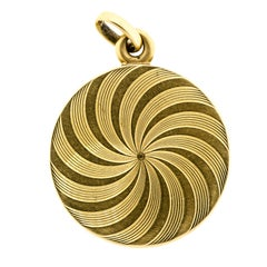 Pretty circa 1900 Antique Yellow Gold Swirl Pattern Locket