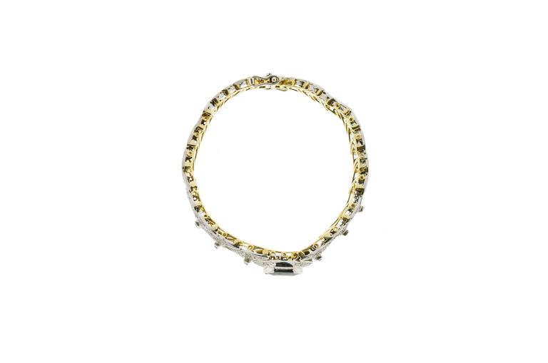 Stunning Blue Sapphire Diamond and 18 Karat White and Yellow Gold Bracelet In Good Condition For Sale In Lombard, IL