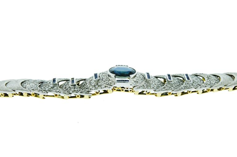 Stunning Blue Sapphire Diamond and 18 Karat White and Yellow Gold Bracelet For Sale 2