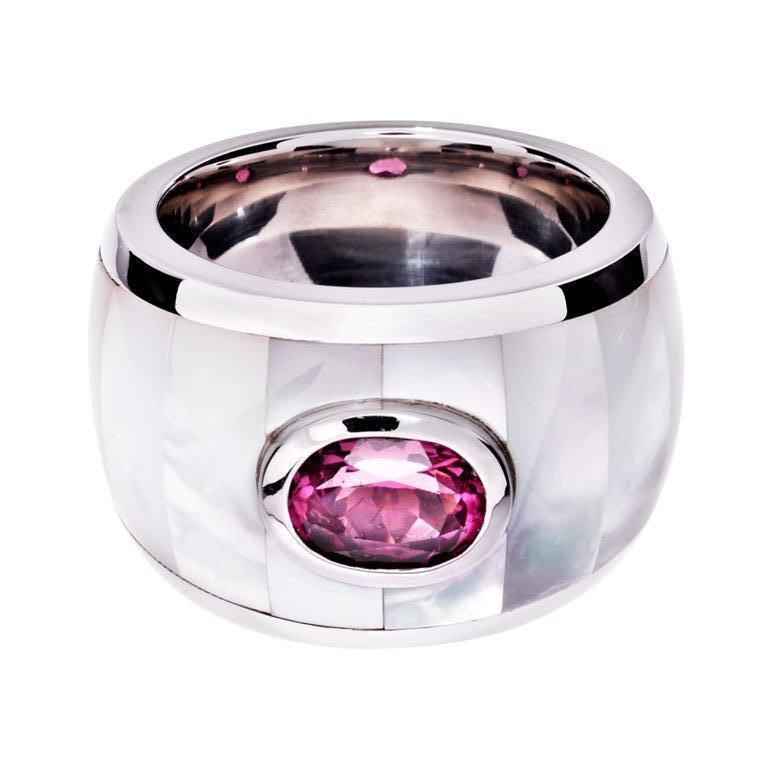 Renesim Mother-of-Pearl Ruby Gold Cocktail Ring