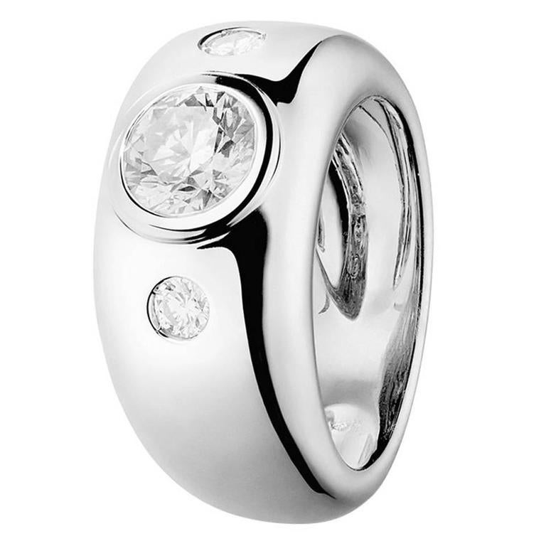 Renesim Broad 18K White Gold Diamond Ring with 3 Brilliants