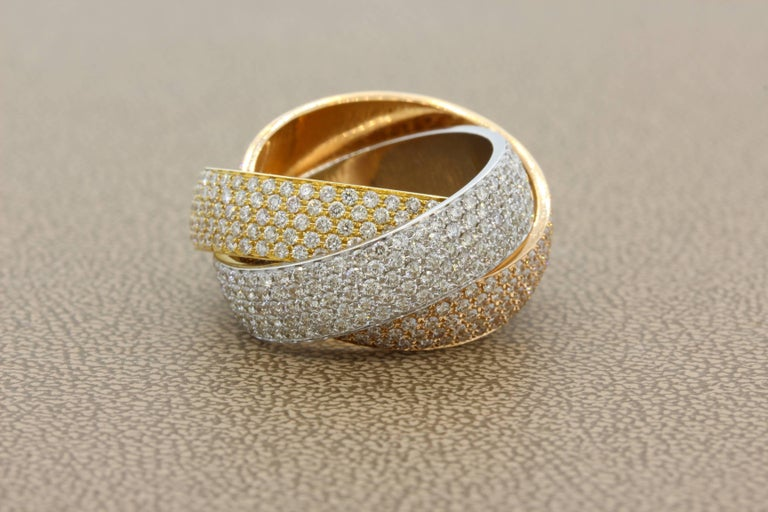 Round Cut Diamond Gold Trinity Band Ring For Sale