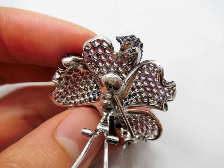 Big Mun flower earrings with Purple sapphire,Sapphire and Diamond In As new Condition For Sale In Bangkok, TH
