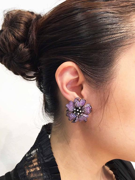 Big Mun flower earrings with Purple sapphire,Sapphire and Diamond For Sale 2