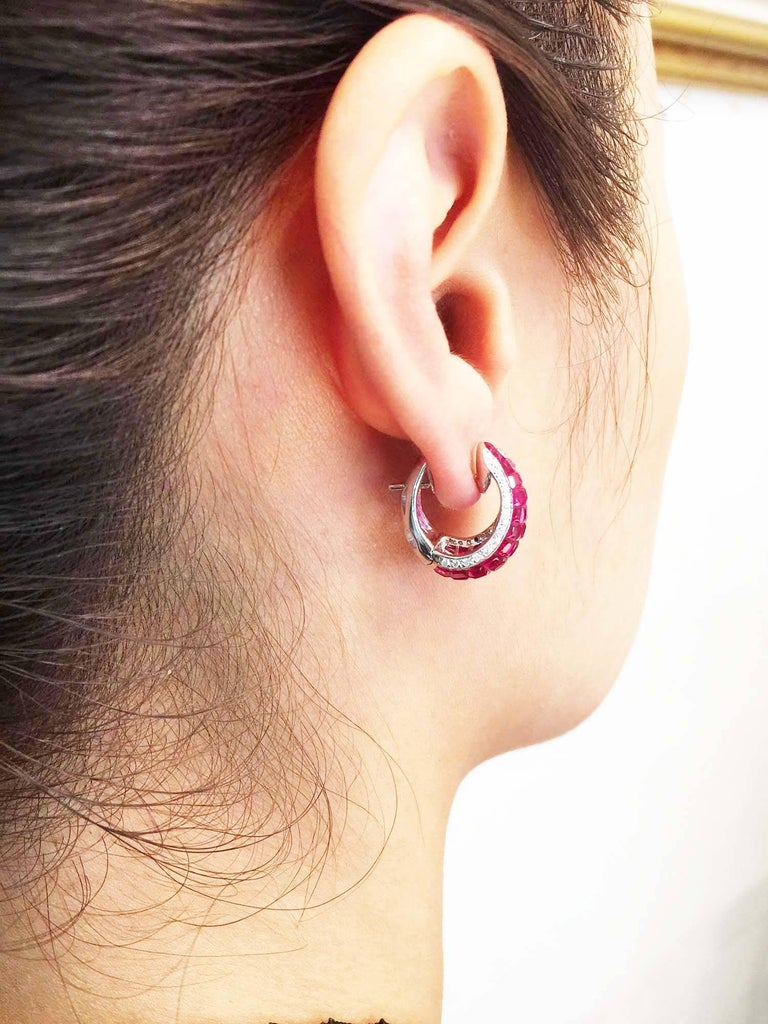18K White gold Ruby Invisible Hoop Earrings In New Condition For Sale In Bangkok, TH
