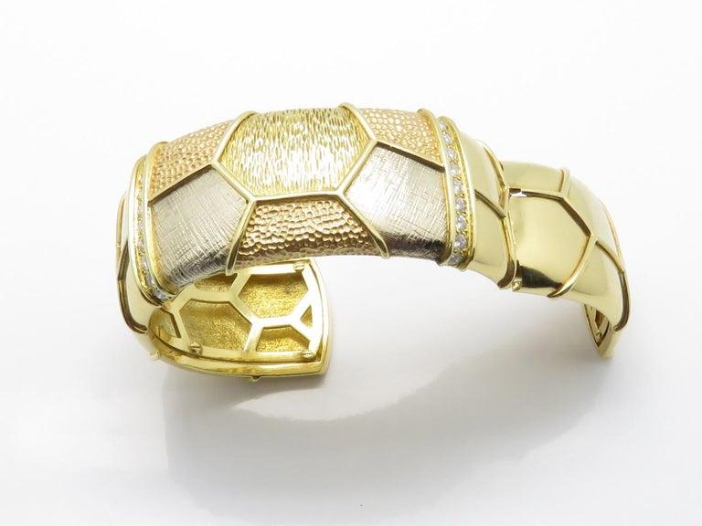 Van Cleef & Arpels Diamond Three Gold Necklace-Bracelet For Sale 3