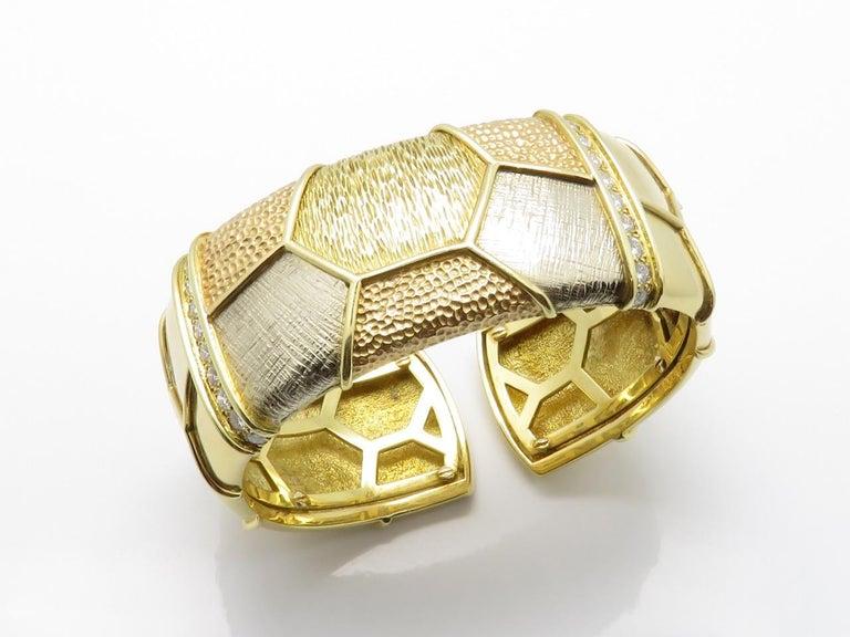 Van Cleef & Arpels Diamond Three Gold Necklace-Bracelet For Sale 4
