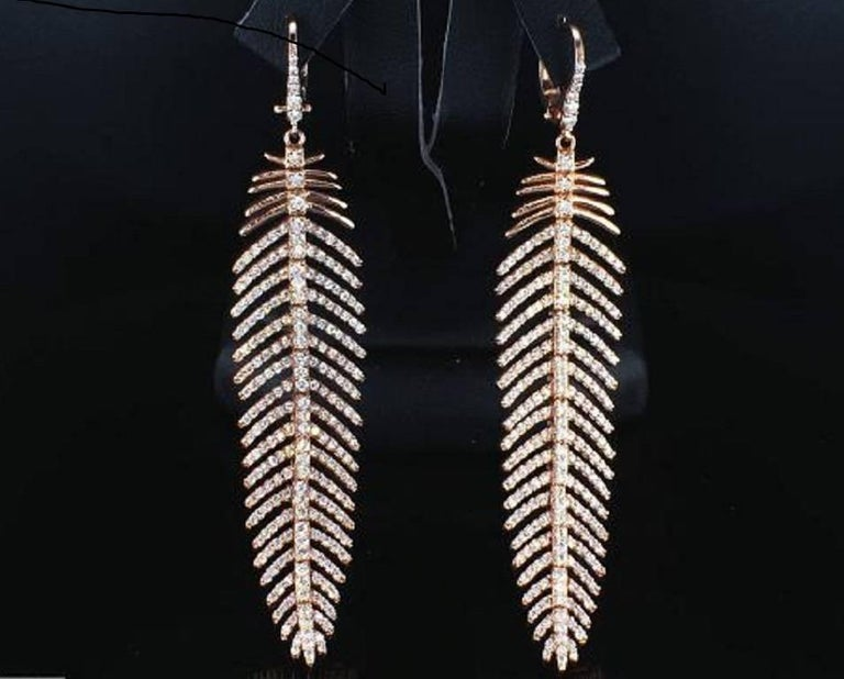 4.90 Carat Diamond Feather Dangle Pendent and Earring Set In New Condition For Sale In New York, NY