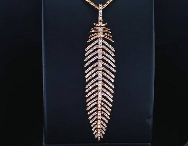 Round Cut 4.90 Carat Diamond Feather Dangle Pendent and Earring Set For Sale