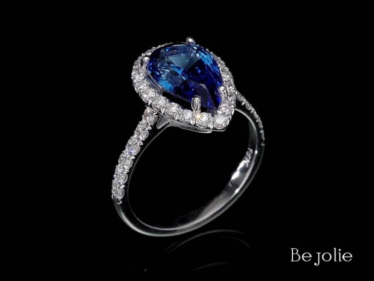 Women's or Men's 3.53 Carat Pear Shape Blue Sapphire and Diamond  Engagement Ring For Sale