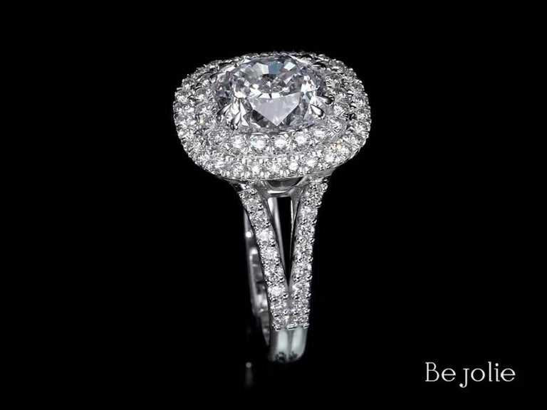 Women's 3.28 Carat Cushion Cut Diamond Halo Engagement Ring GIA Certified E / VS1 For Sale