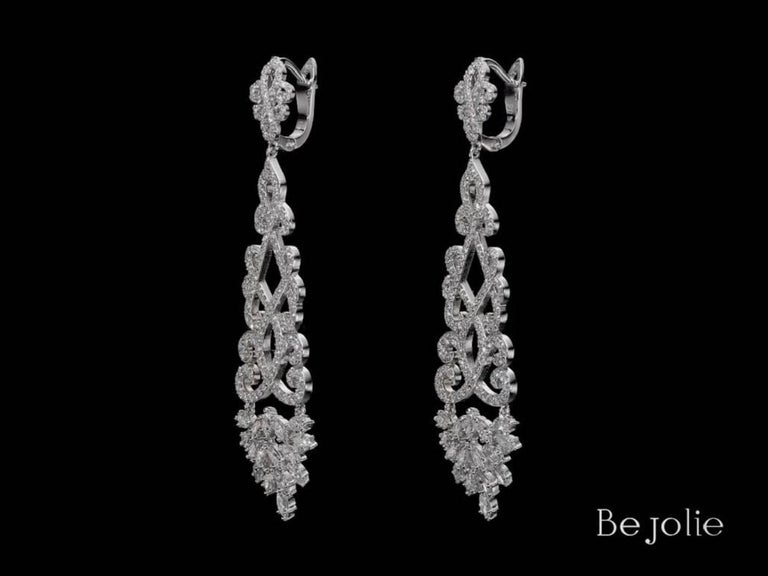 4.22 Carat Dangling Diamond Chandelier Earrings For Sale 1