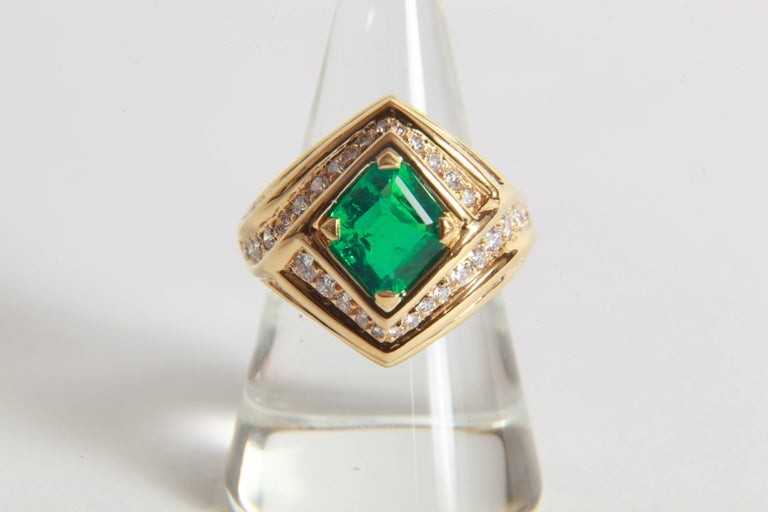 Contemporary 18K Yellow gold, Emerald 1,23 carats and Diamond Ring by Marion Jeantet For Sale