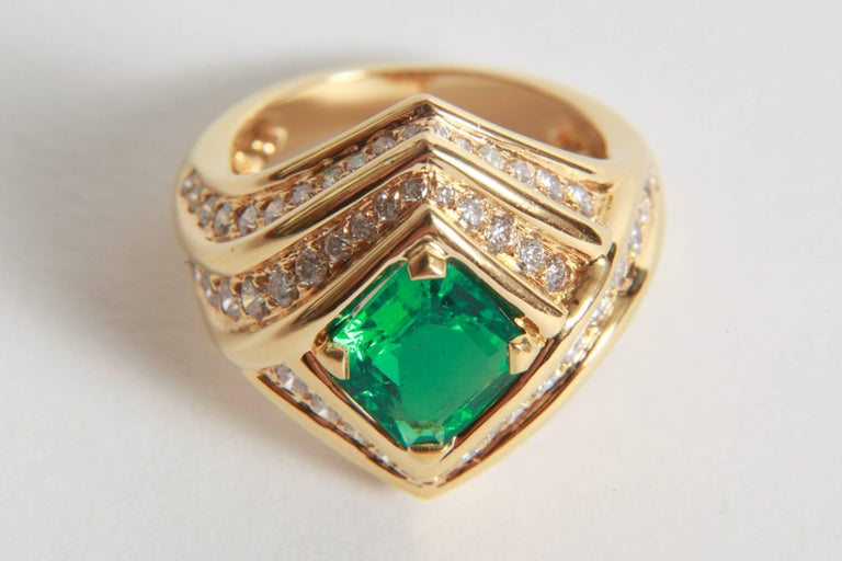 Women's 18K Yellow gold, Emerald 1,23 carats and Diamond Ring by Marion Jeantet For Sale