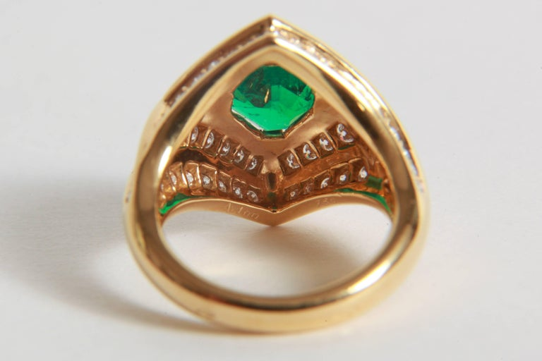 18K Yellow gold, Emerald 1,23 carats and Diamond Ring by Marion Jeantet For Sale 2