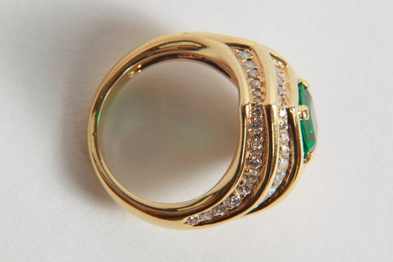 18K Yellow gold, Emerald 1,23 carats and Diamond Ring by Marion Jeantet For Sale 3