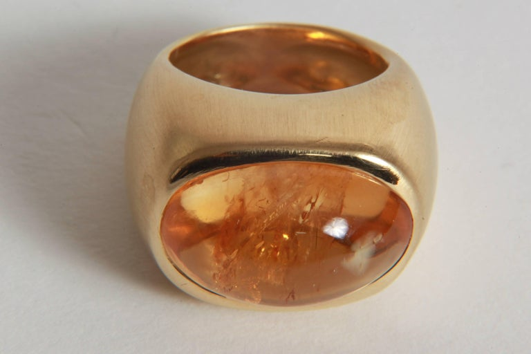 18K Yellow Boule Ring  Set With a Citrine Cabochon by Marion Jeantet In New Condition In Paris, FR