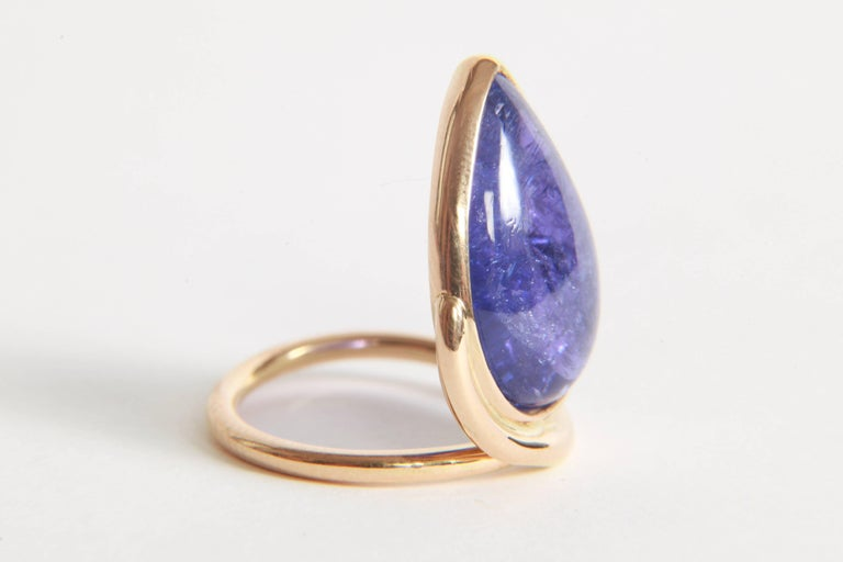Tanzanite Cabochon Ring by Marion Jeantet In New Condition In Paris, FR