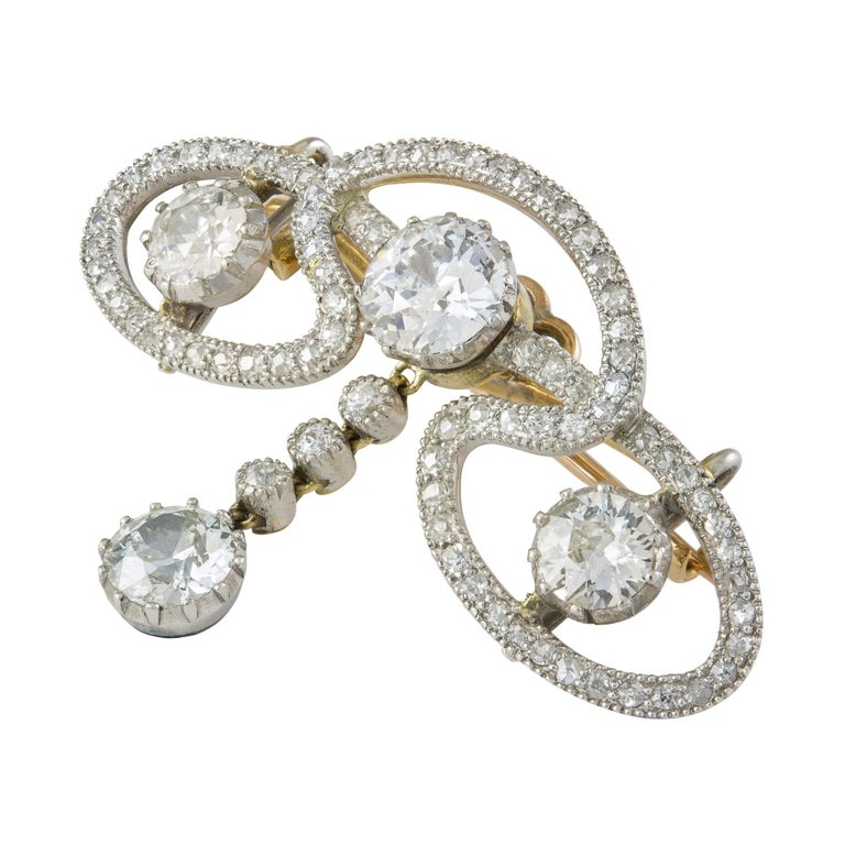 Edwardian Diamond Scroll Brooch In Excellent Condition For Sale In London, GB