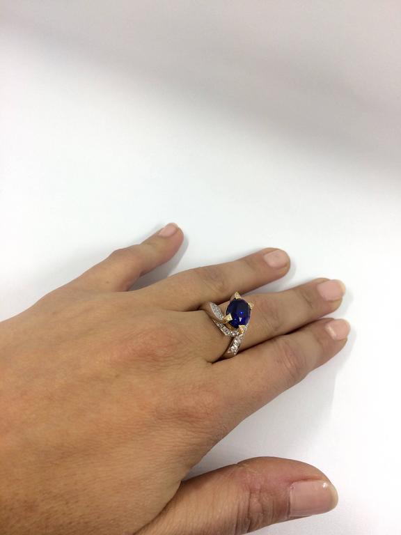Women's 5.14 Carat Unheated Burma Royal Blue Sapphire Diamond Gold Ring For Sale