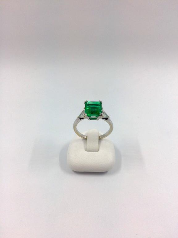 2.79 Carat Colombian Emerald Diamond Gold Ring For Sale 1