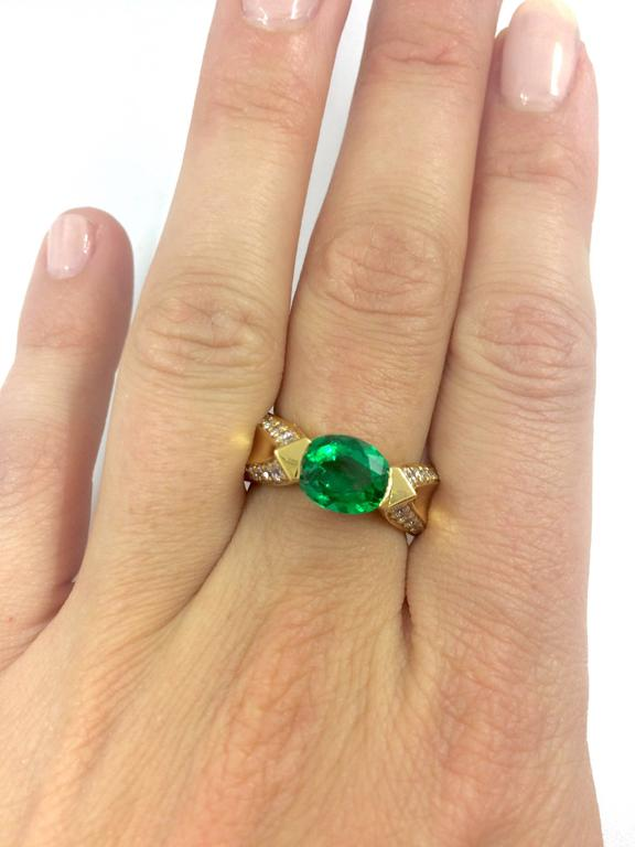 Women's or Men's Emerald Diamond Gold Ring For Sale