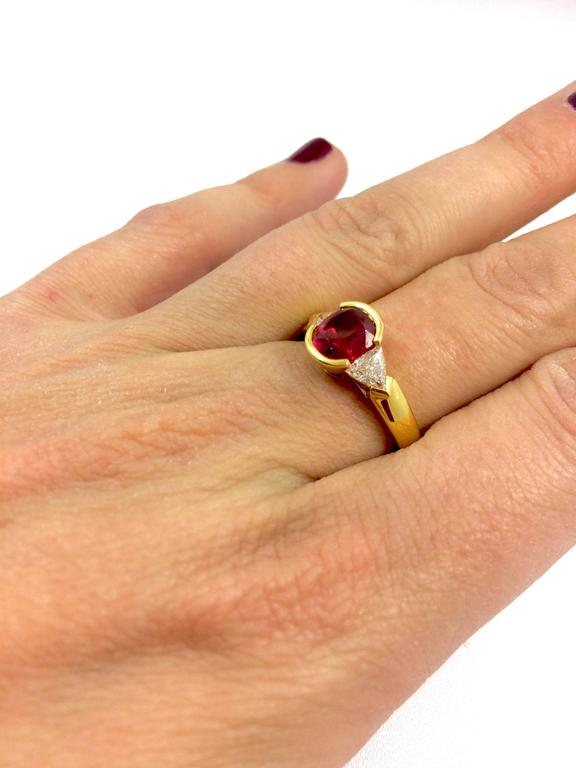 Burma Ruby Diamond Gold Ring In As New Condition For Sale In Colmar, FR