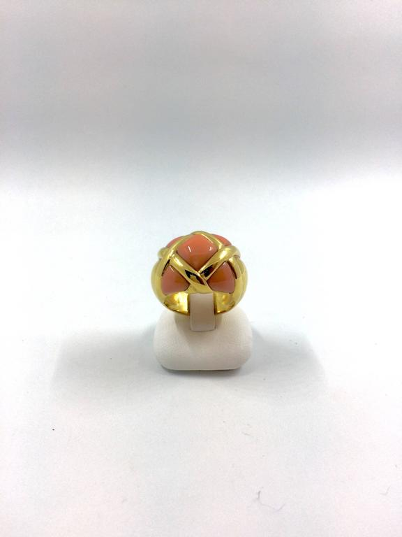 Coral Gold Ring In As New Condition For Sale In Colmar, FR