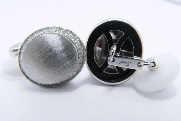 Berca White Diamond 18k Oval Hand Brushed White Gold White Agate Back Cufflinks In New Condition For Sale In Valenza, IT