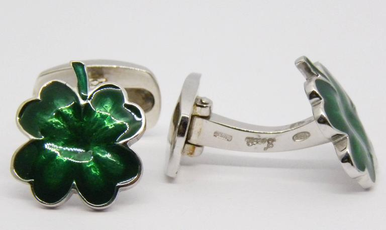 Men's Green Hand Enamelled Cloverleaf Sterling Silver Cufflinks with T-Bar Back For Sale