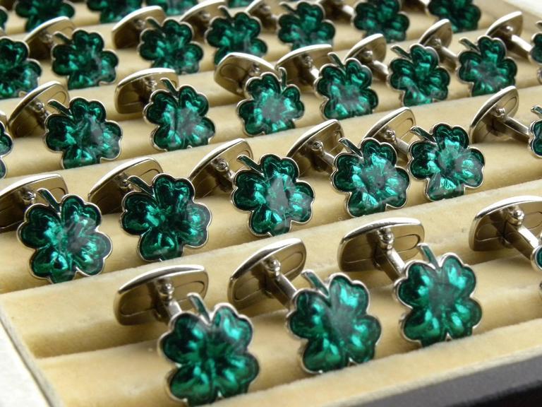 Green Hand Enamelled Cloverleaf Sterling Silver Cufflinks with T-Bar Back For Sale 2
