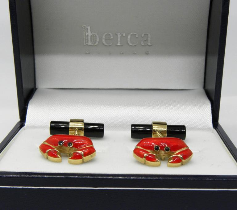 Hand Enameled Crab Shaped Onyx Stick Back Yellow Gold Cufflinks For Sale 3