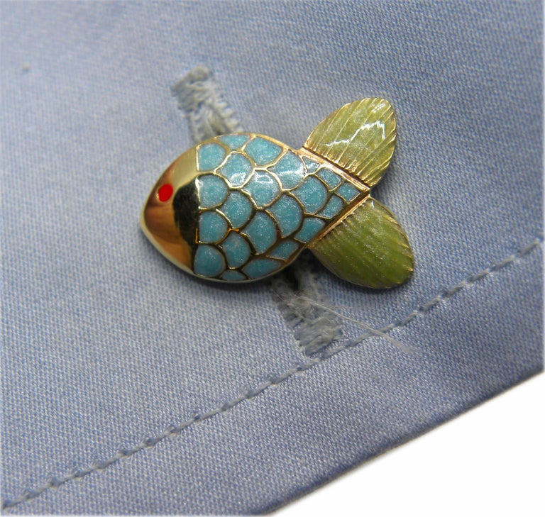Hand Enamelled Little Fish Shaped Lapis Stick Back Yellow Gold Cufflinks In New Condition For Sale In Valenza, IT