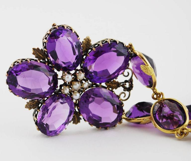 Romantic Antique Amethyst Gold Necklace Flower, circa 1900 For Sale