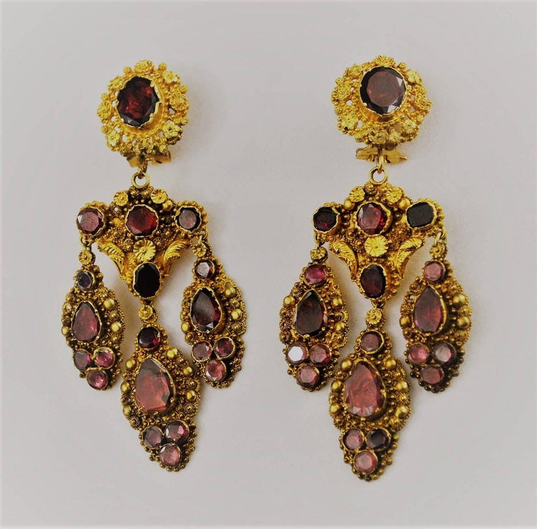 Antique Georgian 18K Gold Garnet Necklace Chandelier Earrings Brooch Set  4