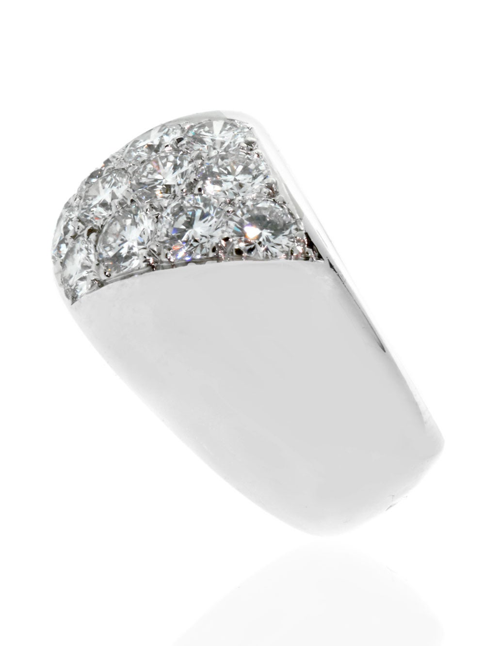 A marvelous authentic Cartier immaculately set with the finest Carter round brilliant cut diamonds in shimmering 18k white gold.
