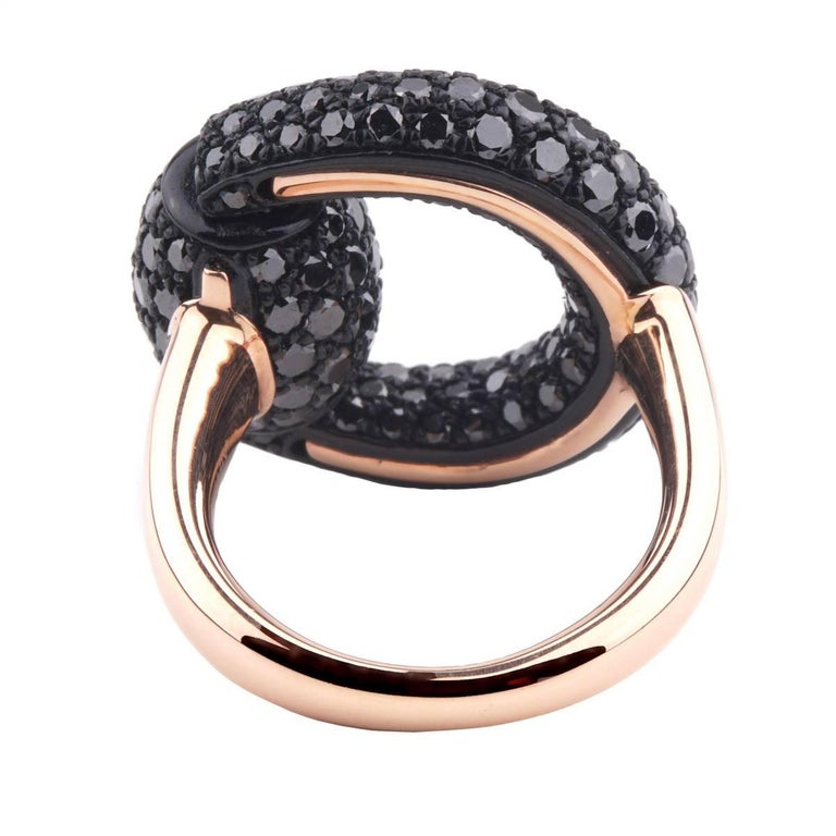 Round Cut Gucci Black Diamond Horsebit Rose Gold Ring For Sale