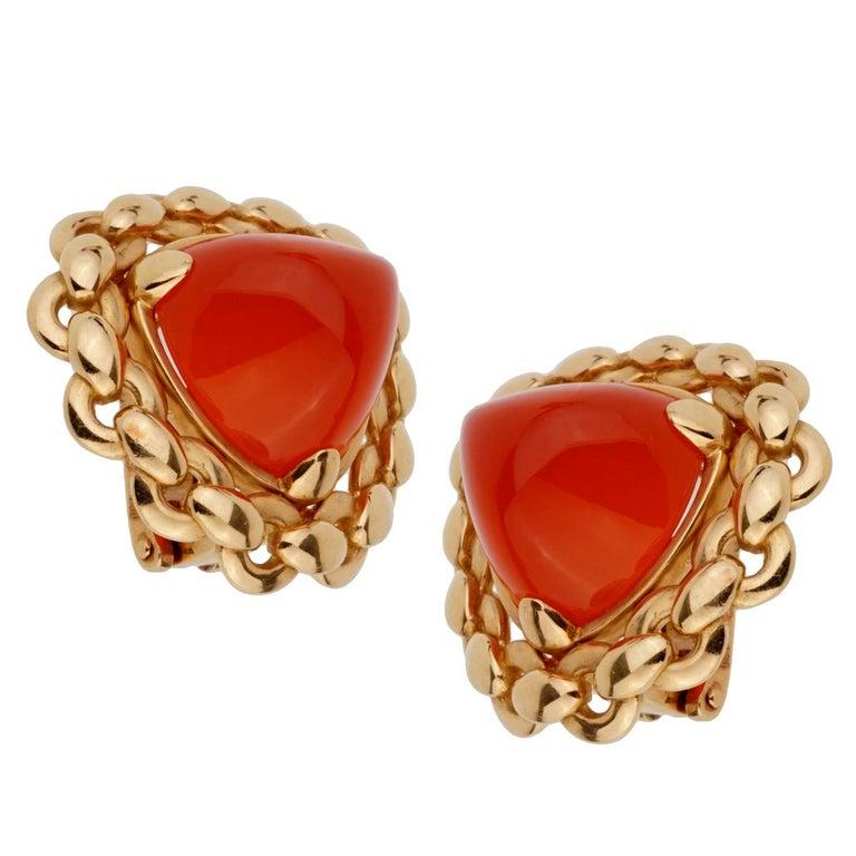 Women's Hermes  Vintage Sugarloaf Carnelian Gold Clip on Earrings For Sale