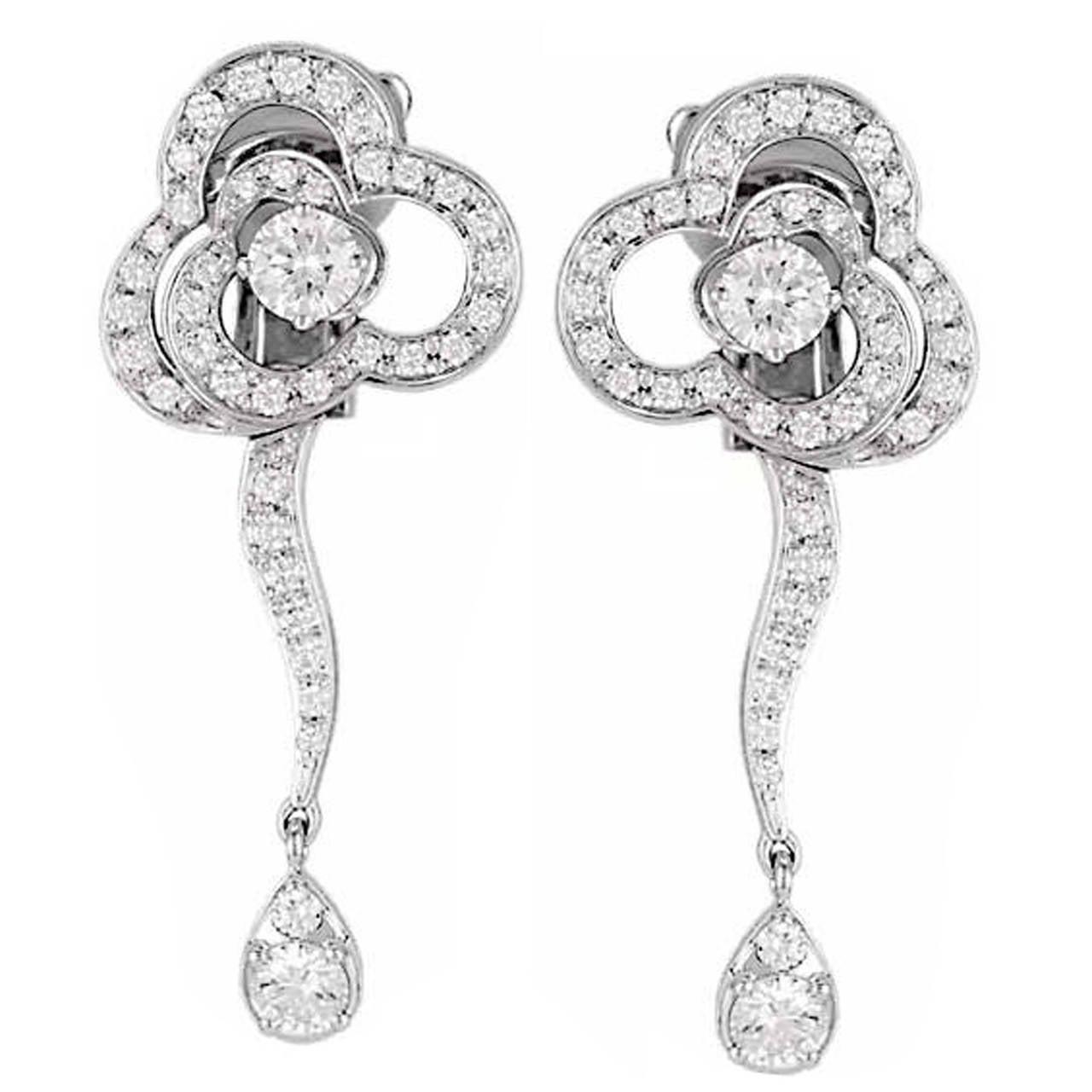 chanel camellia diamond gold dangle earrings at 1stdibs. Black Bedroom Furniture Sets. Home Design Ideas