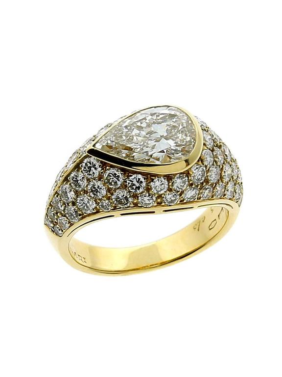 Bulgari Magnificent Pear Diamond Gold Ring In Excellent Condition In Feasterville, PA