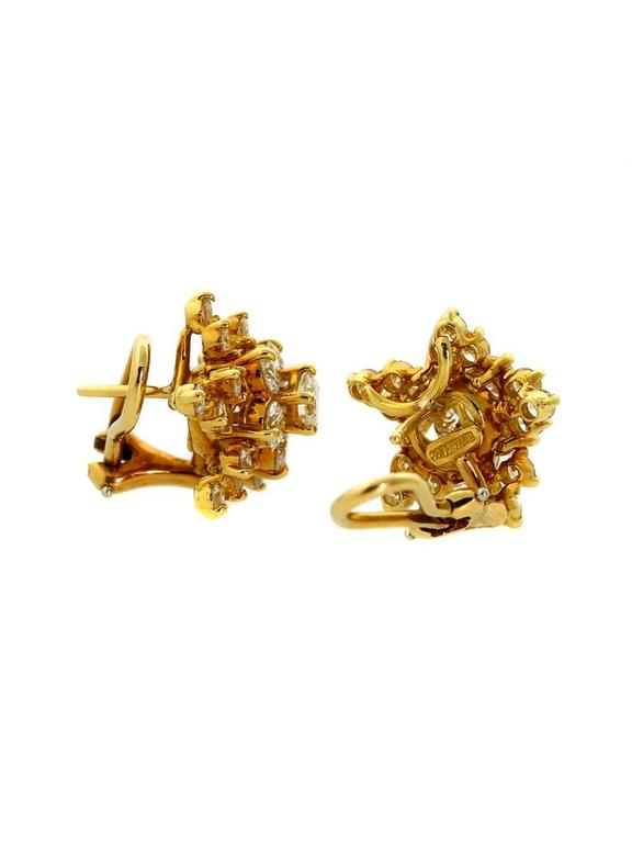 Tiffany & Co. Diamond Gold Star Earrings In Excellent Condition For Sale In Feasterville, PA