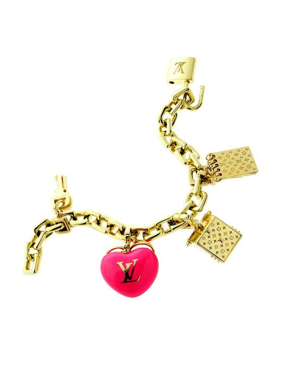 Louis Vuitton Diamond Gold Charm Padlock Bracelet In Good Condition For Sale In Feasterville, PA